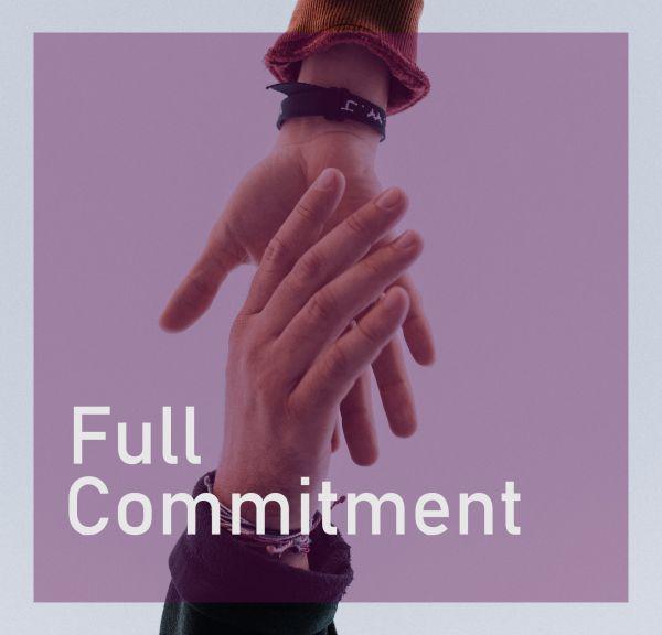 Full Commitment/Komitmen Penuh